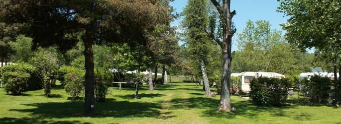 Camping Puy-de-Dôme *** à SAINT CLéMENT DE VALORGUE Auvergne